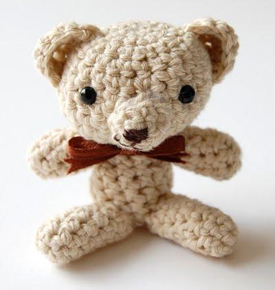 Crochet Teddy Bear - Free Pattern! - Leelee Knits | 421x400